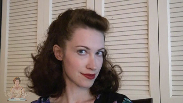 Quick And Easy 1940s Hairstyle Trick