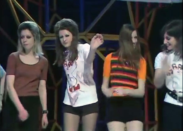 Hot Pants 1971 - Top of the Pops dancers