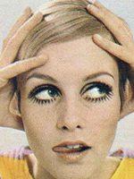 Twiggy Makeup and Haircut