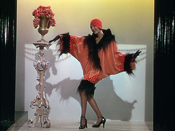 1920's Flapper Style - Singin' in the Rain